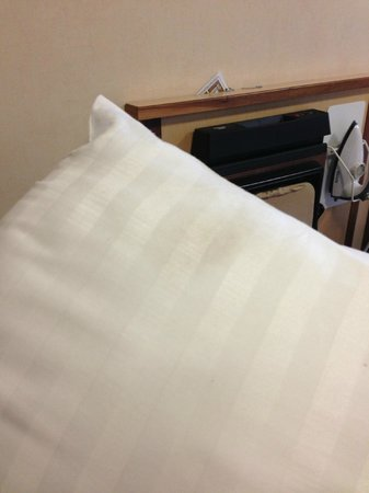 Hellaby Hall Hotel:                                                       Dirty pillow