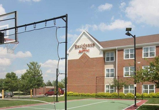 Residence Inn Chicago Bloomingdale: Sport Court