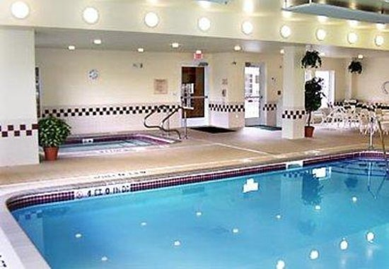 Residence Inn Buffalo Cheektowaga: Indoor Pool