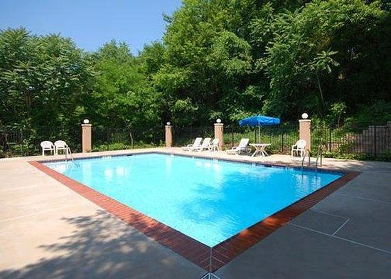 Towson, MD: Pool