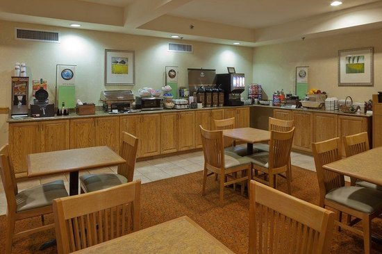 Country Inn &amp; Suites By Carlson, Tuscaloosa: CountryInn&amp;Suites Tuscaloosa  BreakfastRoom