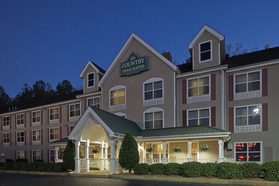 Country Inn & Suites By Carlson, Tuscaloosa: CountryInn&Suites Tuscaloosa  ExteriorNight