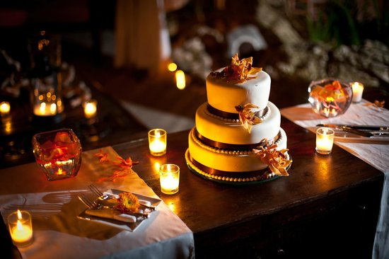 Villa Montana Beach Resort:                                     Wedding Cake