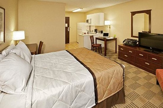 Extended Stay America - Chicago - Itasca: Queen Studio