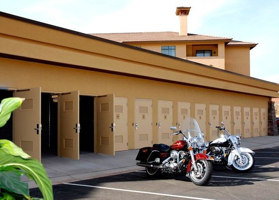 Holiday Inn Express Hotel & Suites Washington: Motorcycle Garages - adjacent to Harley Davidson dealership