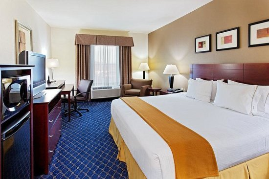 Holiday Inn Express Hotel & Suites Cookeville: King Bed Guest Room
