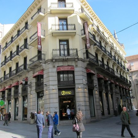 301 moved permanently for Londres hotel madrid