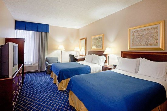 Holiday Inn Express Lawrence / Andover: Double Bed Guest Room