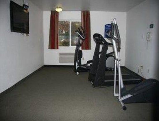 Howard Johnson Inn Salem: Fitness Center