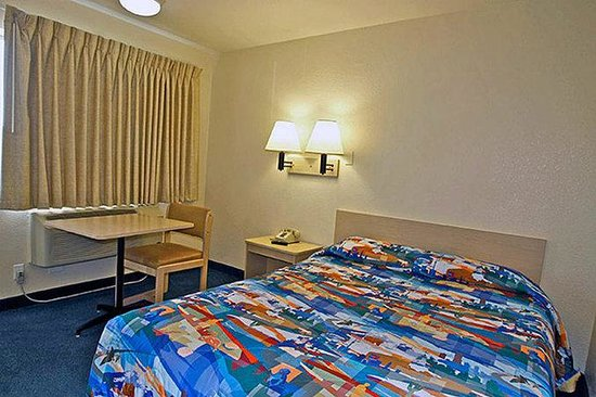 Motel 6 San Bernardino South: MSingle