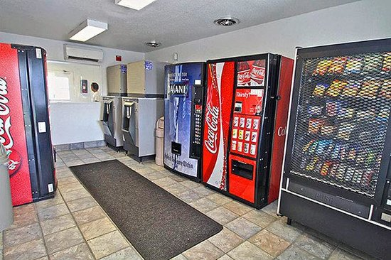 Motel 6 San Bernardino South: MVending