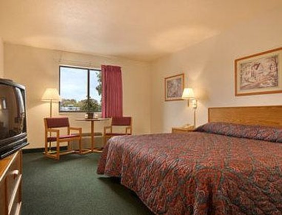Super 8 Bonne Terre: Standard King Bed Room
