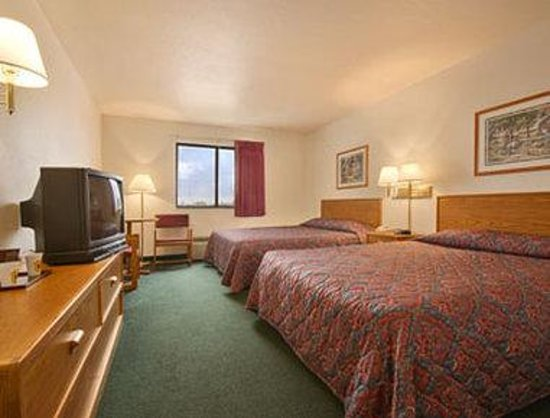 Super 8 Bonne Terre: Standard Two Queen Bed Room