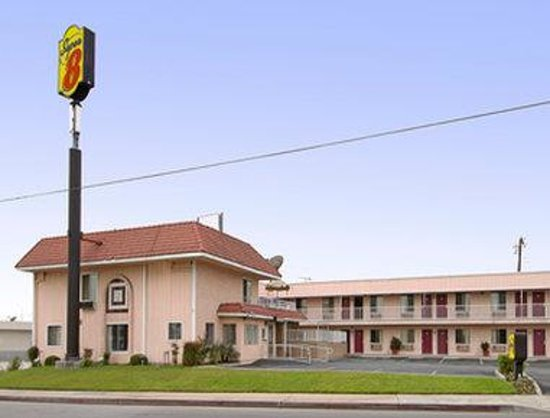 Super 8 Motel - Azusa: Welcome to the Super 8 Azusa