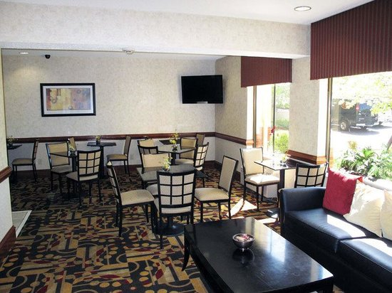 La Quinta Inn & Suites Snellville - Stone Mountain: Breakfast Area