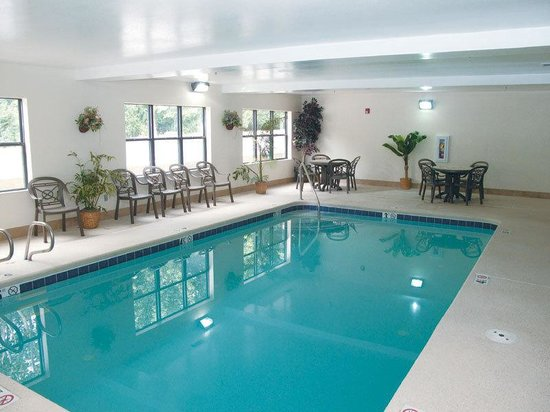 La Quinta Inn & Suites Snellville - Stone Mountain: Pool