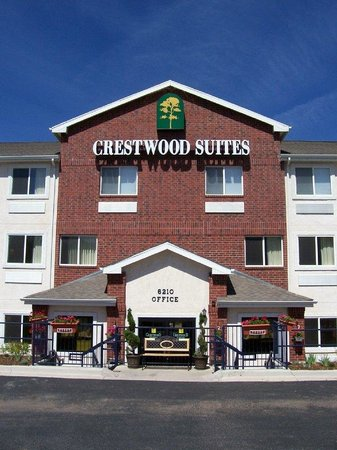 Crestwood Suites Colorado Springs: Exterior