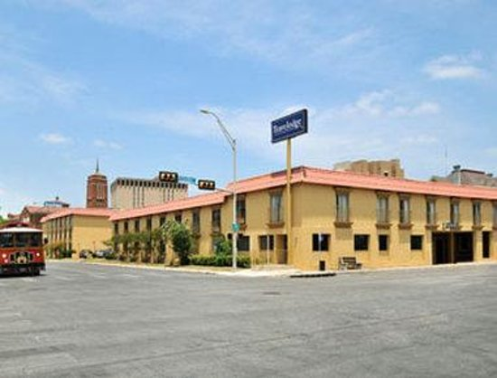 Travelodge San Antonio Alamo: Welcome To The Travelodge San Antonio