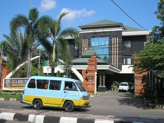 Zamrud Hotel