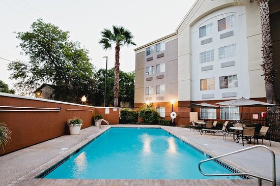 Candlewood Suites - San Antonio NW Medical Center: Swimming Pool