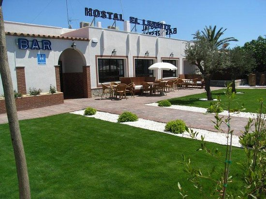 ‪Hostal El Levante‬