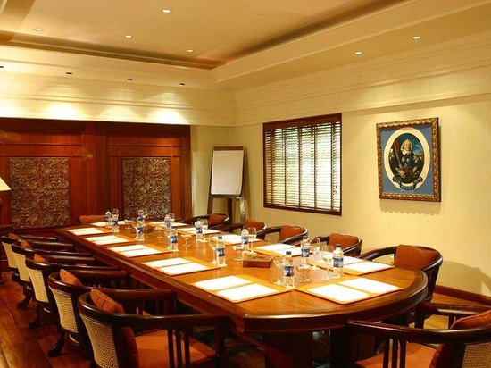 Constance Le Prince Maurice: Meeting Room
