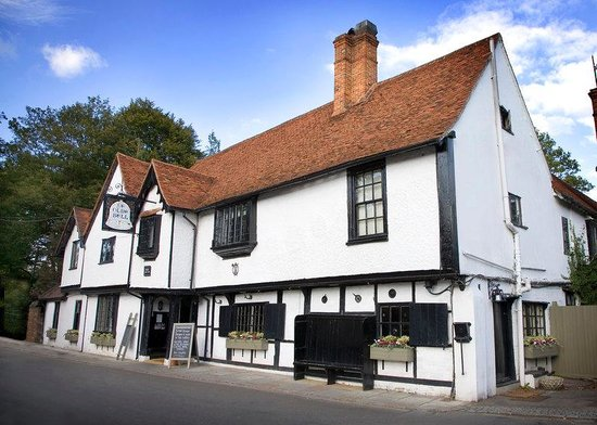 http://media-cdn.tripadvisor.com/media/photo-s/03/7f/1e/64/the-olde-bell.jpg