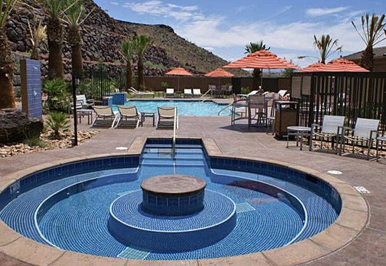 TownePlace Suites St. George: Outdoor Pool & Whirlpool