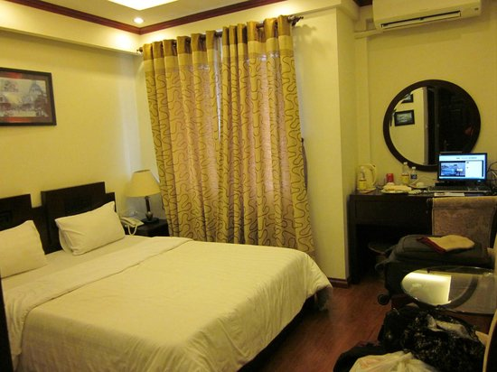 Hanoi Paradise Hangbac Hotel:                   Cozy, Clean and Spacious Room