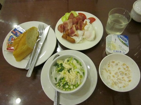 Hanoi Paradise Hangbac Hotel:                   Breakfast