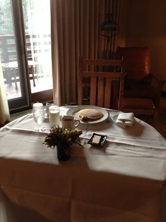The Lodge at Torrey Pines: breakfast in my room