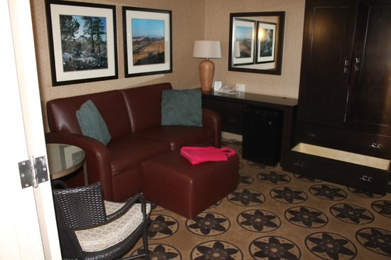 ‪‪Prescott Resort & Conference Center‬:                   sofa bed with it's own TV