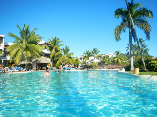 Giardini picture of occidental grand punta cana bavaro tripadvisor - Bagno punta canna sottomarina ...