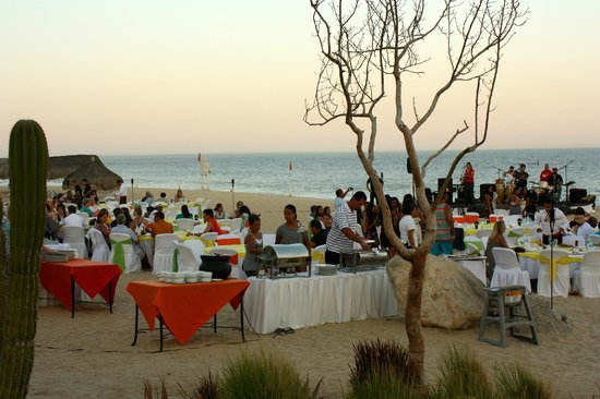 Club Casa Dorada Spa & Golf Resort:                                     BBQ night
