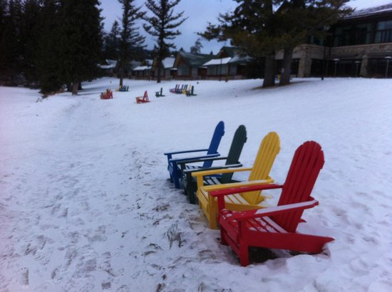 Fairmont Jasper Park Lodge:                   It would be nice to sit here if the sun was out.