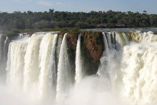 Sheraton Iguazu Resort & Spa: Iguazu Falls seen from the grounds of Sheraton Hotel