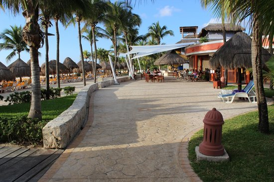 Iberostar Quetzal Playacar: Breakfast/Lunch Snack area