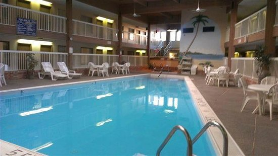 BEST WESTERN Metro North: Hotel Pool
