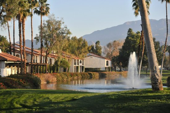 Rancho Las Palmas Resort & Spa:                   Great looking golf course.