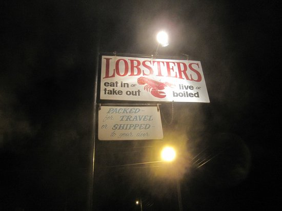 Trenton, ME: Simple Signage for a great Lobster Pound
