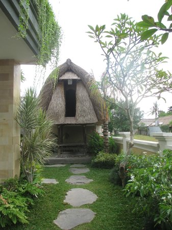 Inata Hotel:                                     Traditional hut