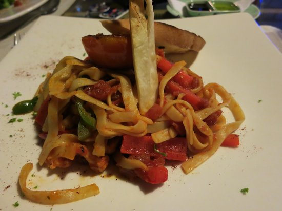 HARRIS Resort Batam Waterfront:                   Every dish is nicely presented and the taste is good.