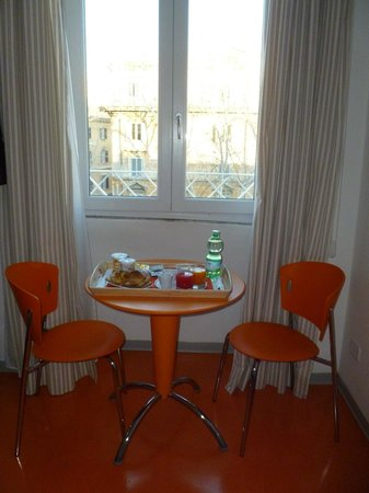 Amor Bed & Breakfast Rome :                   Colazione in camera
