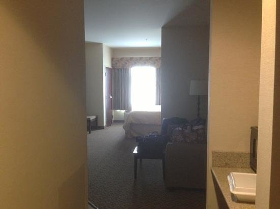 Comfort Suites Cicero - Syracuse North: View from Entrance.