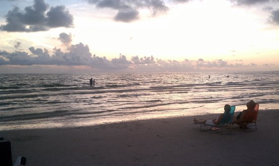 Captiva Beach Resort:                   Sunset at Siesta Key July 2012