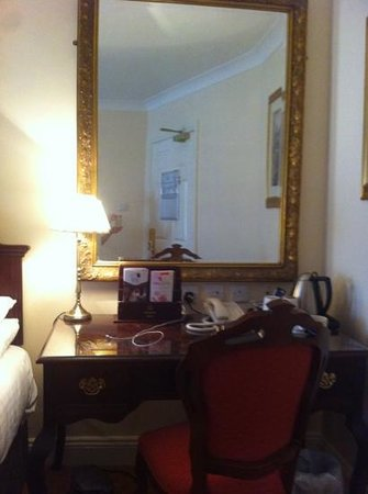 Granville Hotel:                   room207