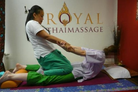 royal thai massage vallentuna
