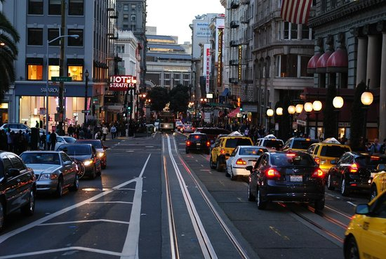 Hotel Stratford:                   Hotel literally on Powell Street where the most popular cable car is.