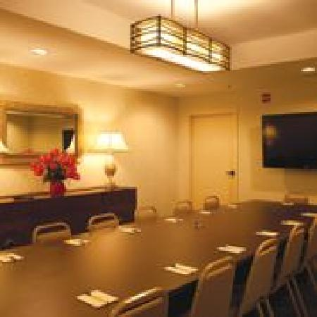 Compass Cove Oceanfront Resort: Board Room