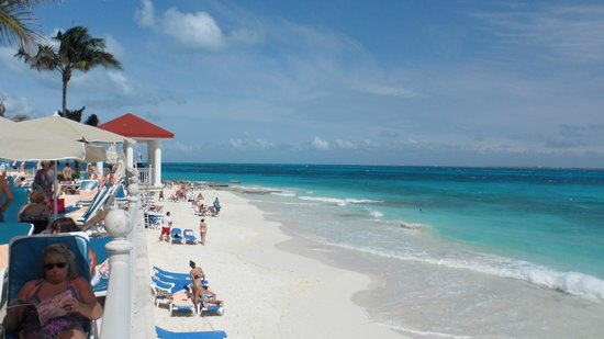 Riu Cancun:                   beach